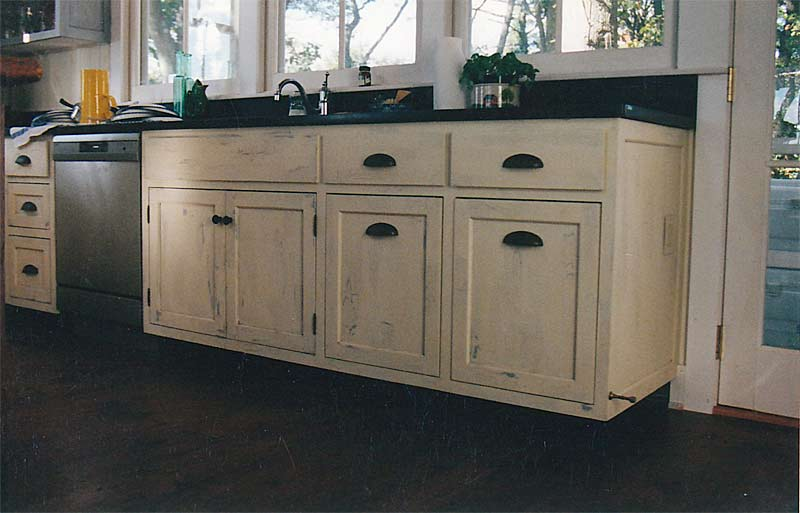 Distressed Kitchen Cabinets 2 How To Make Distressed Kitchen Cabinets